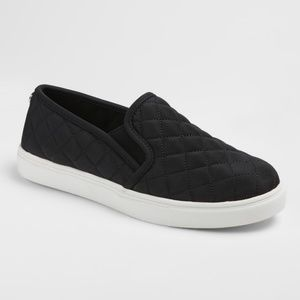5b141ae4456 Mossimo Supply Co. Shoes - NWT Women s Mossimo Black Slip On Sneakers